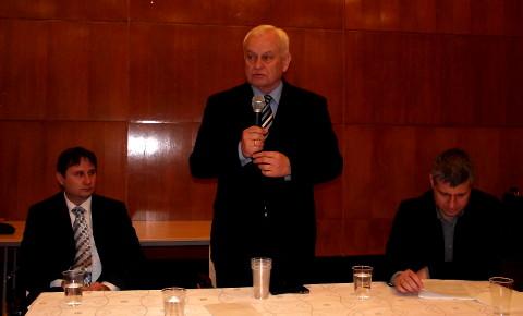 Harrach Péter a Fidesz XVI. kerületi alapszervezeténél