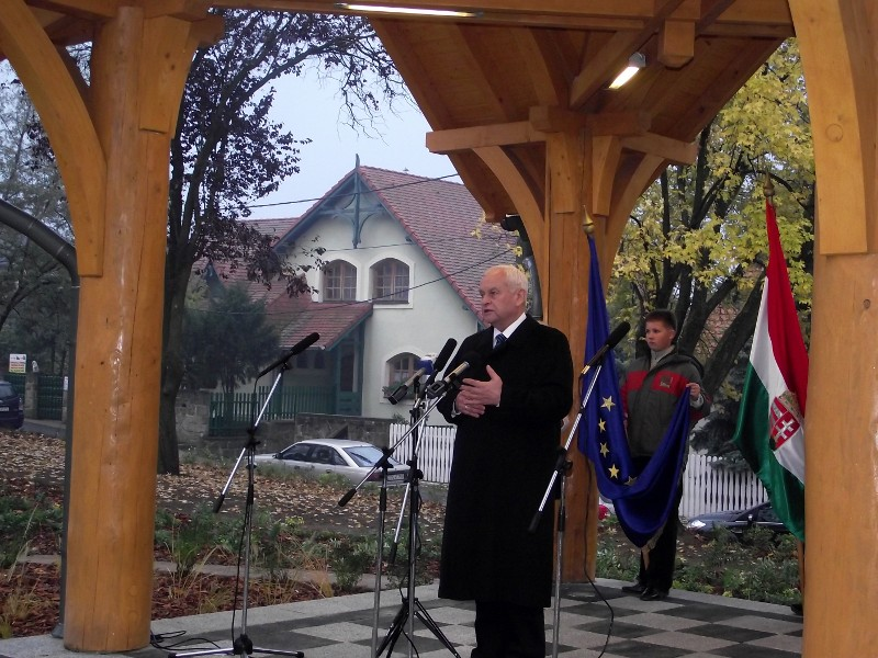 Az 1956-os forradalom 55. évfordulójára emlékeztek Erdõkertesen