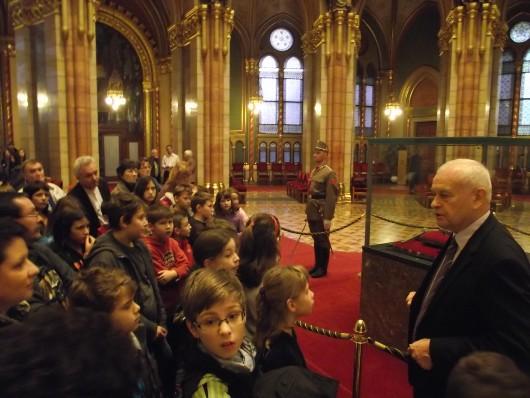 Parlamentlátogatáson a XIII. kerületi Tomori Pál Általános Iskola diákjai