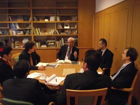 Az energiaszolgáltatással kapcsolatos fogyasztói panaszokról tartottak megbeszélést