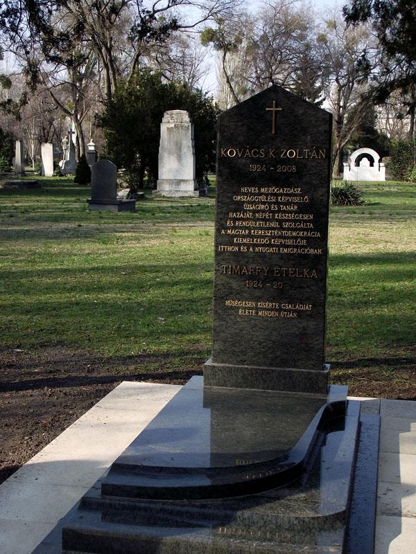 Kovács K. Zoltán sírkõavatása