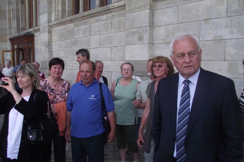 Perõcsényiek parlamentlátogatáson