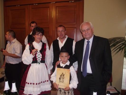 Harrach a családképrõl beszélt a parlamentben