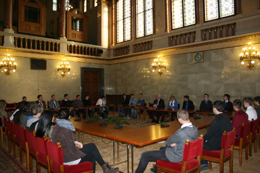 A váci Boronkay György szakközépiskola diákjai Harrach Péter meghívására a parlamentben